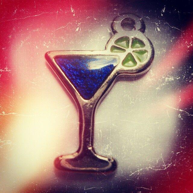Coctel Azul https://www.facebook.com/AccesoriosUv