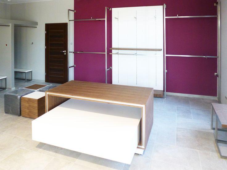 Projekt i wyposazenie sklepu z odzieżą w Oleśnicy / Shop design and equipment in Olesnica  www.dekam.pl