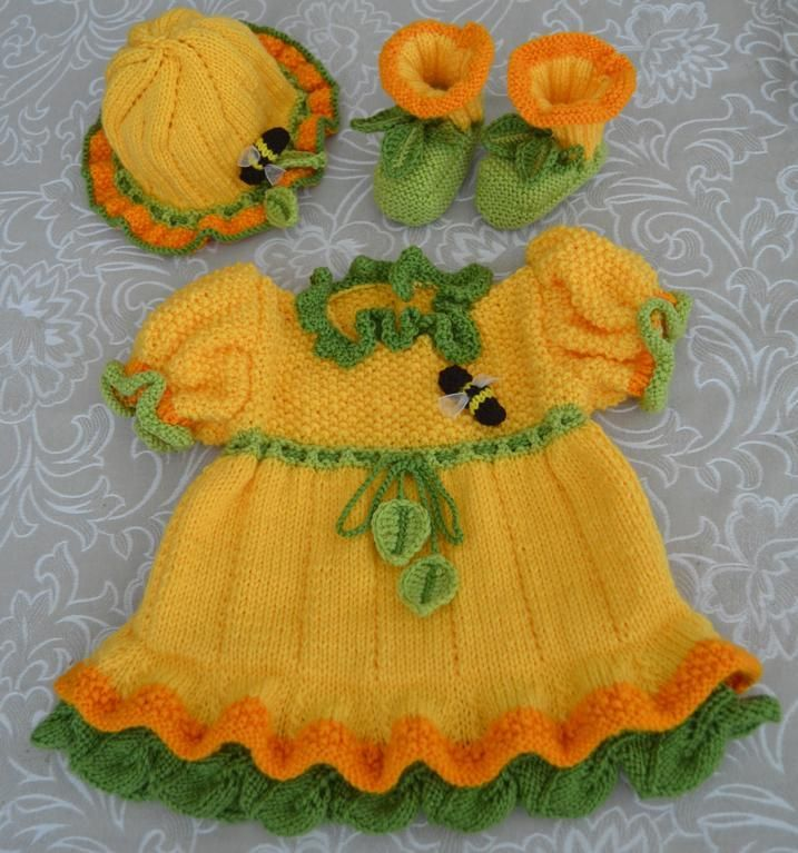 Knitted Daffodil Brooch Pattern : Daffodil Baby Dress, Booties and Hat Babies, Knitting and Hats