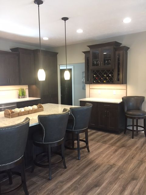 This Warm Diamond Kitchen U0026 Bath Remodel Was Completed By Loweu0027s Designer,  Anne Lopez.