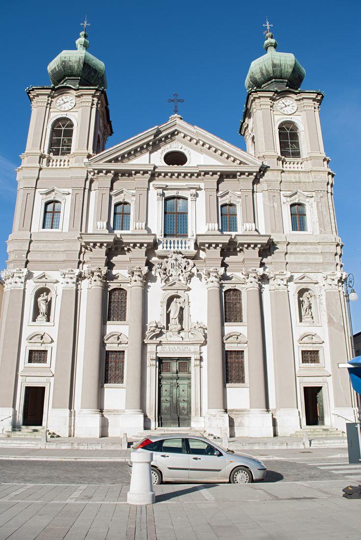 Chiesa di Sant'Ignazio, iniziata su impulso dei Gesuiti a metà del XVII secolo e conclusa appena nel 1723 (Gorizia).