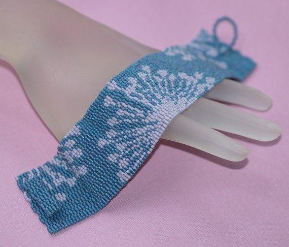 Lavendel-Lace... Peyote Armband. Queen Anne's Lace. von time2cre8