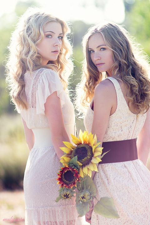 sunshine in their hair. sister or best friend photo shoots!