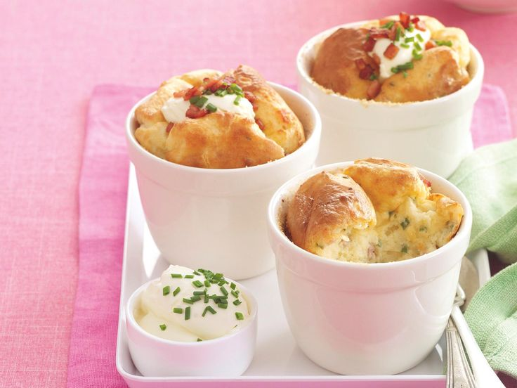 Create these delicious cheese and bacon potato bakes for your family. Packed full of flavour, they are great served straight out of the oven with a dollop of sour cream.