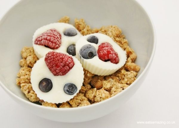 Healthy kids breakfast idea from Eats Amazing UK with free recipe sheet for cooking with children