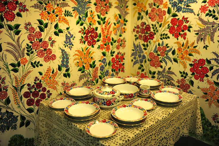 Kalocsa is a small town Hungarian folk art. Painted on the walls and on the china and tablecloth.