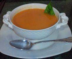 sopa de tomate a la albahaca