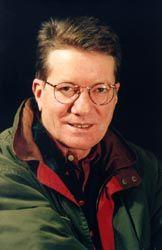 António Rama- Actor, fundador do teatro Experimental de Cascais. Em 1981 ingressou no teatro S. Maria II, pertencendo, desde então, ao seu elenco residente.