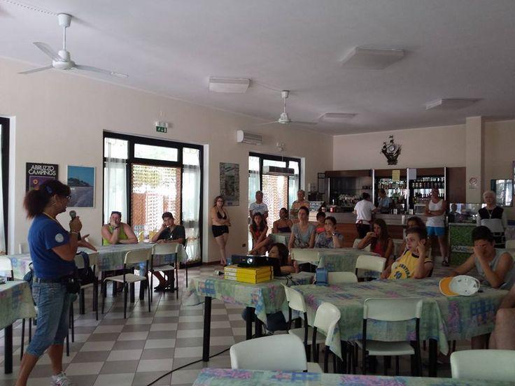lezione di ecologia ambientale ! noi tuteliamo il nostro territorio !! #interntionalcamping #pineto #abruzzo #italy #spiaggia #beach #sea #mare #sabbia #estate #divertimento #allegria #sole #sun #summer