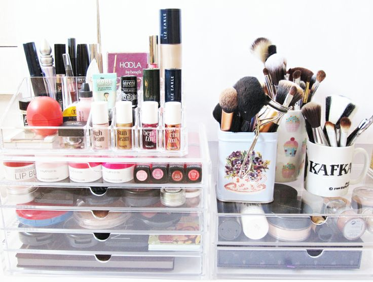 We Were Raised By Wolves: MUJI Clear Makeup Storage #1