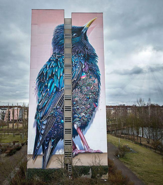 Сорокаметровая фреска на стене берлинского дома