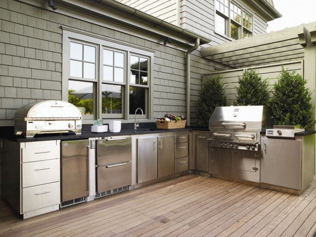 counter top set against the house - grill perpendicular, shade behind