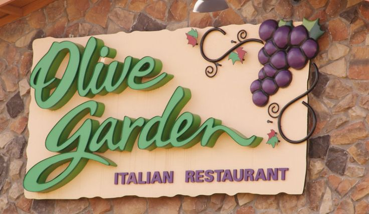 Times Square Olive Garden: For $400, You Can Attend A Special New Year's Eve Party At Chain Restaurant