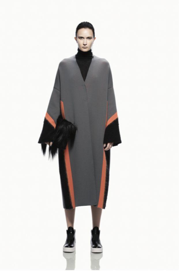 KRIZIA FALL WINTER 2016-17 COLLECTION #krizia #krizia_international #FW1617 #autunnoinverno #fashion #collezioneautunnoinverno2016 #coat #bag