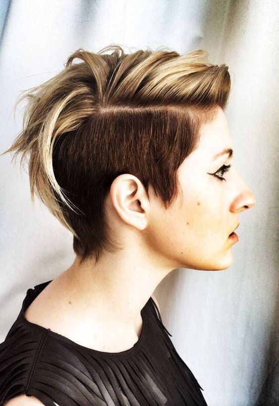 Ladies Who Have Oval Shaped Face It Is Must For Them To Try This Hair Look Of Short Mohawk 45 Voguish Hairstyles Women