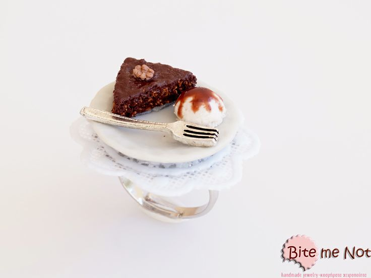 Greek nut pie & ice-cream Ring!