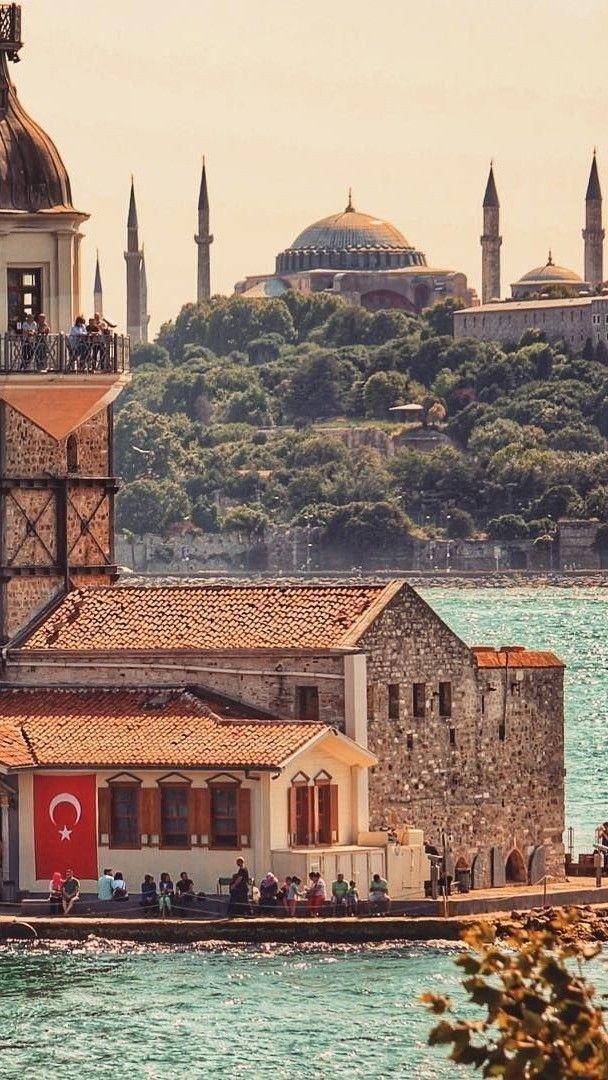 Maiden's Tower, behind the Hagia Sophia … – Mük…