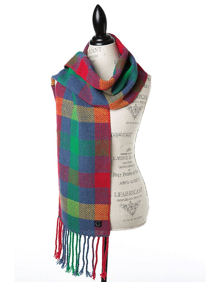 TO CELEBRATE CANADA'S 150TH YEAR in 2017, GŌBLE CREATED THE CANADIANA COLLECTION. GŌBLE Woven Scarves for Women in Canadiana Maritimes make a stunning wardrobe accessory, A TRUE FASHION STATEMENT! These hand woven scarves are made of100% soft luxurious Merino Wool HAND WOVEN IN CANADA GOBLE.CA