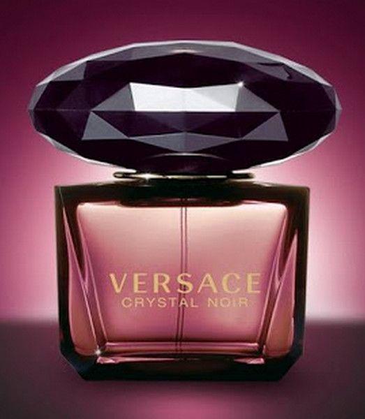 Γυναικείο άρωμα Versace Crystal Noir Eau de Parfum 90ml  Τιμή 55€  Παράδοση σε 2 με 3 εργάσιμες ημέρες με αντικαταβολή. Τρόπος παραγγελίας: Αποστολή με μήνυμα των στοιχείων σας και του αρώματος ή τα αρώματα που σας ενδιαφέρουν - Καταχώρηση παραγγελίας - Ενημέρωση για κωδικό αποστολής και ημερομηνία παράδοσης