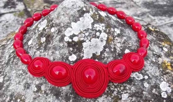 collana realizzata con la tecnica del soutache e perle in ve collana vetro di murano,soutache lavorazione a lume,soutache