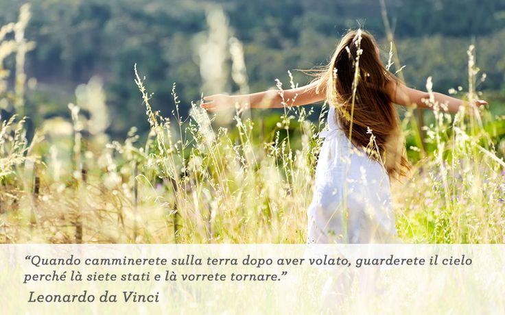 Quando camminerete sulla terra dopo aver volato, guarderete il cielo perché là siete stati e là vorrete tornare (Leonardo da Vinci). Buona Pasqua da Nuvola Italiana!