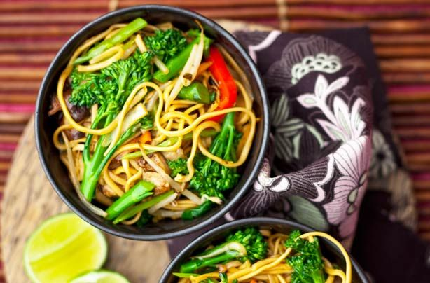 Meals under 200 calories - Chinese vegetable chow mein - goodtoknow