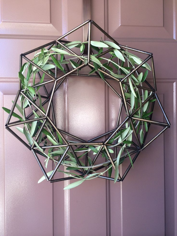 Fall Himmeli DIY wreath with intertwined olive branches