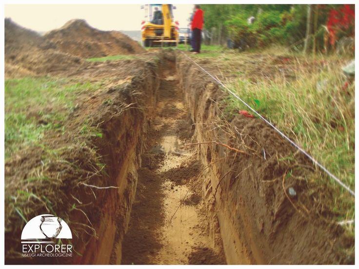 Nadzór archeologiczny nad wykopami liniowymi pod fundamenty budynku.