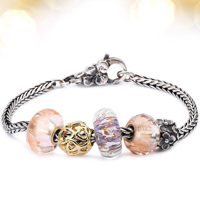 Charm Bracelet - Marble Carving Charm B 2 by VIDA VIDA ozueyrkb
