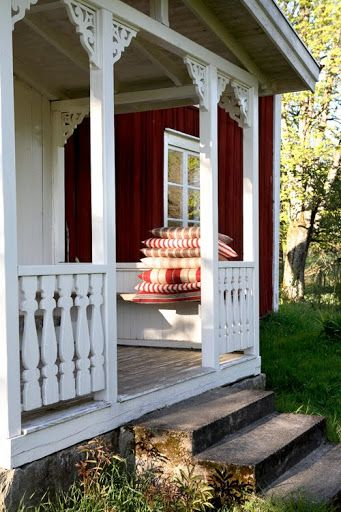 this is what I want my front porch to look like.