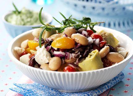Grekisk bönsallad med örtkeso   MåBra - Nyttiga recept
