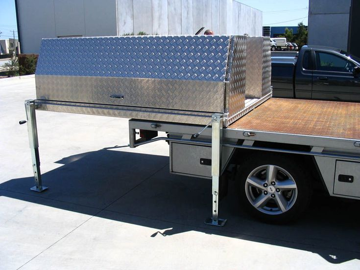 Aussie Tool Boxes is a specialising in the design & fabrication of quality aluminium tool boxes, Ute tool boxes, canopies in Melbourne.