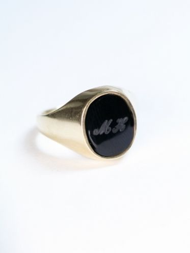 Engraved Onyx Signet Ring #machapintowin