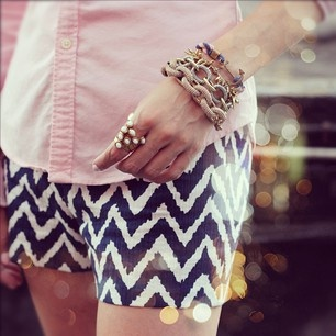 Pink Shirt and Chevron ShortsChevron Fashion, Chevron Outfit, Fashionista, Chevron Shorts, Clothing Summer, Calm Style, Style Summer, Summer Clothing, Summer Trends
