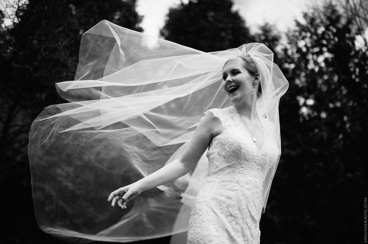 bride with ultra long veil in black and white #wedding #weddingphotography