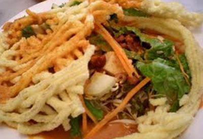 Asinan Betawi, another Indonesian salad, segeeeeeerrr......