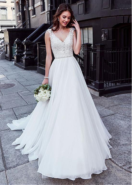 Rabatt Charming Tüll & Chiffon V-Ausschnitt Ausschnitt Natürliche Taille A-Linie Brautkleid mit Perlen Spitze Appliques bei Dressilyme.com bekommen