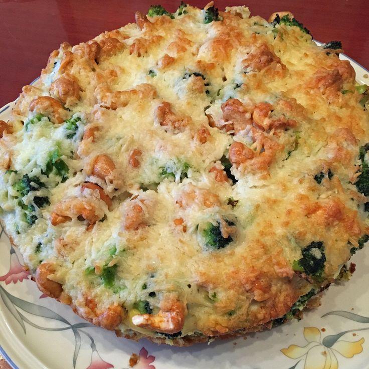 Wederom een heerlijke hartige taart, deze keer met spinazie, broccoli, noten en geitenkaas. Als je niet van geitenkaas houdt kun je dit ook vervangen door belegen geraspte biologische kaas.