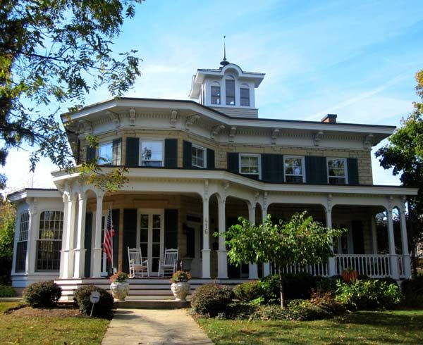 victorian house porches 606 best victorian houses images on pinterest victorian