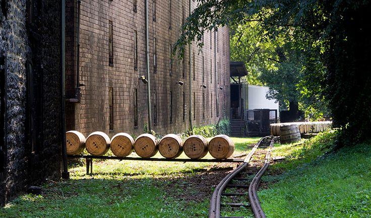 Cool Material | The Complete Guide to the Kentucky Bourbon Trail