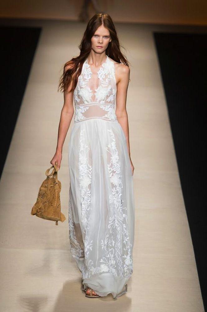 Vestidos de pasarela para novias no convencionales. Alberta Ferretti.
