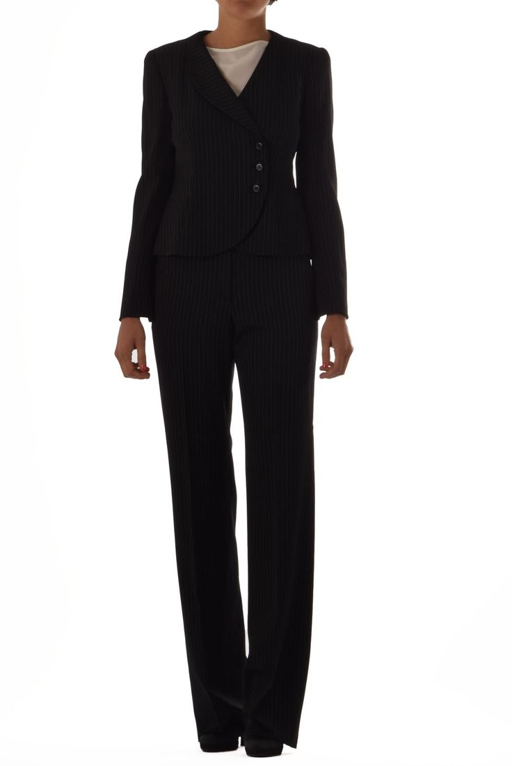 #Armani #jacket and #Trousers for #Woman -50%! Find now on our online shop www.lanamoda.it