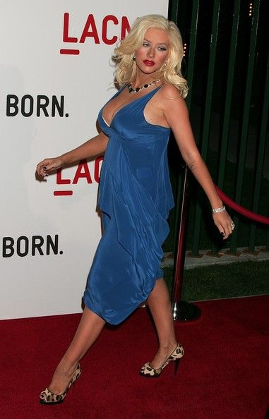 Christina Aguilera Photos - Recording artist Christina Aguilera attends the Broad Contemporary Art Museum opening at LACMA on February 9, 2008 in Los Angeles, California. - The Broad Contemporary Art Museum Opening At LACMA