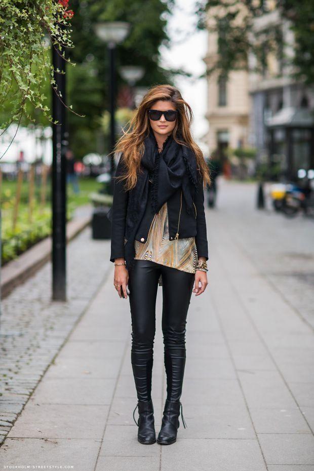 Faux leather leggings, black leather