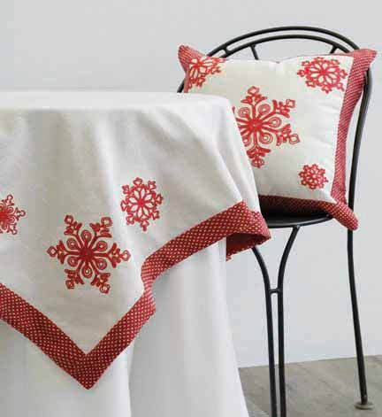 """Noël Table Topper and 18"""" Toss Cushion"""