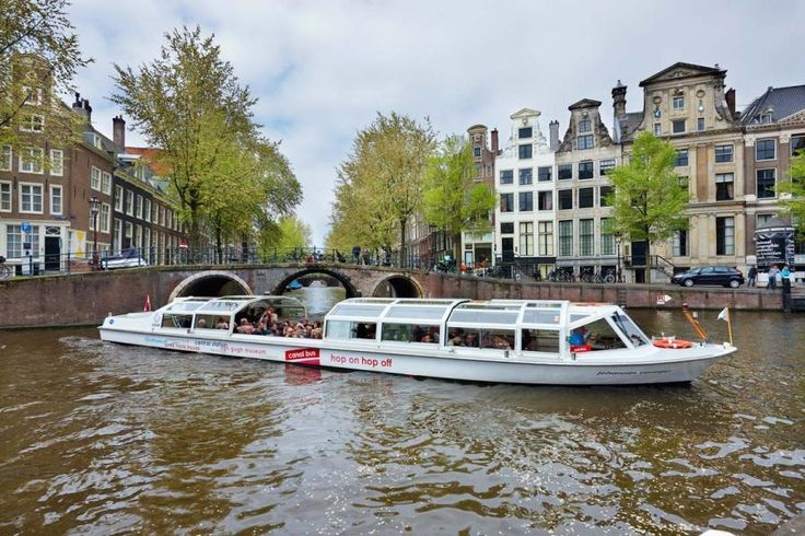 The ideal transport along the canals, passing all the highlights of Amsterdam with Tourboks!