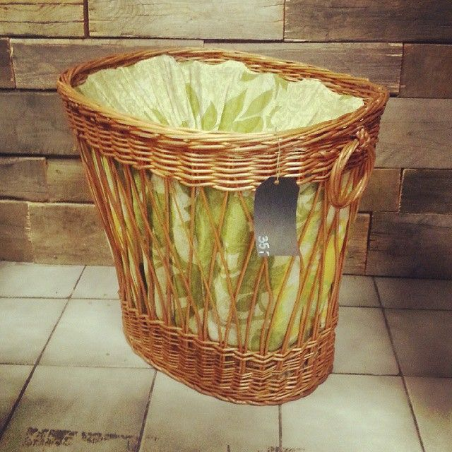 Kosz na pranie Nice vintage basket #vintage #interiors #industrial #design #loft #retro #vintageshop #sklepvintage #poznan #midcenturymodern #midcentury #vintagestyle #brutfurniture #junkstyledesign #basket #kosz #korb #wiklina #wnętrza
