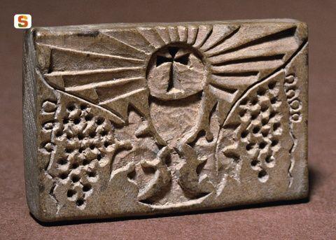 Timbro per dolci – Pintadera – Primi del Novecento Descrizione: stampo di terracotta utilizzato per decorare pani e dolci, Sardegna, Sardinia