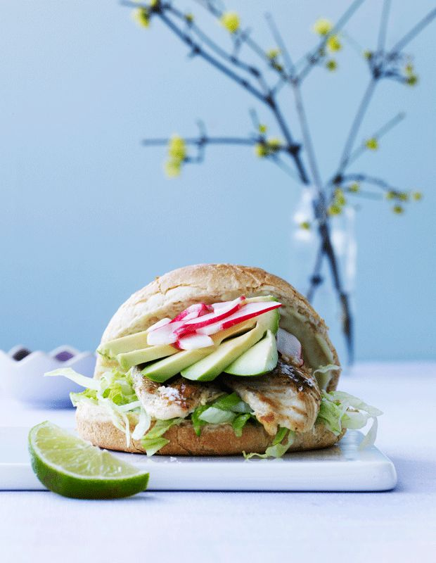 Burger med kylling og wasabimayonnaise - den bedste!