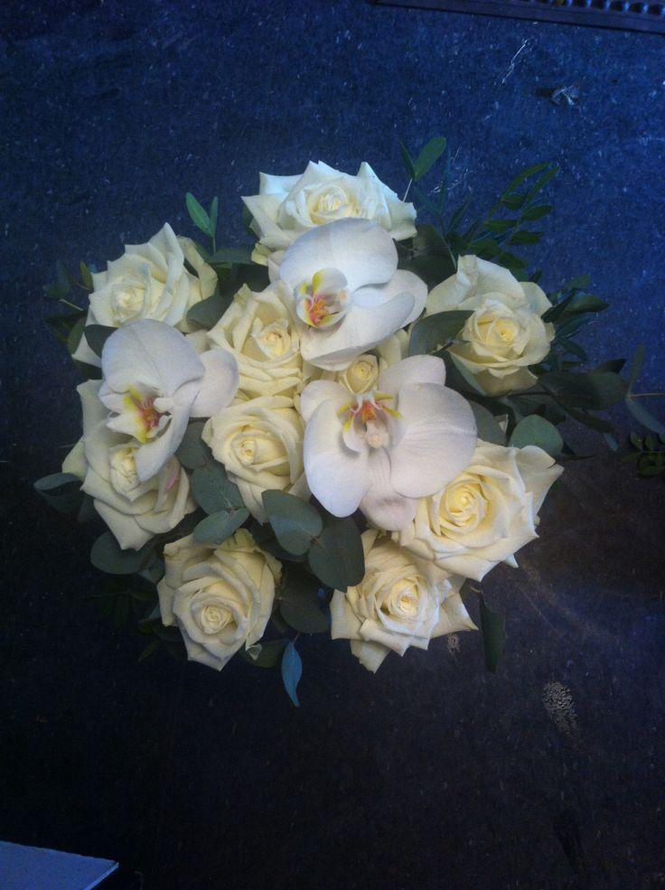 Jeg har også laget en bestilling fra interflora. Det skulle være en hvit bukett.
